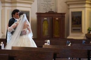 Andrea-e-camilla-sposi-parrocchia-di-s-martino-tribano-padova-08